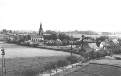 Blick vom Schachtgebäude der Grube Flora auf den Ort 1956